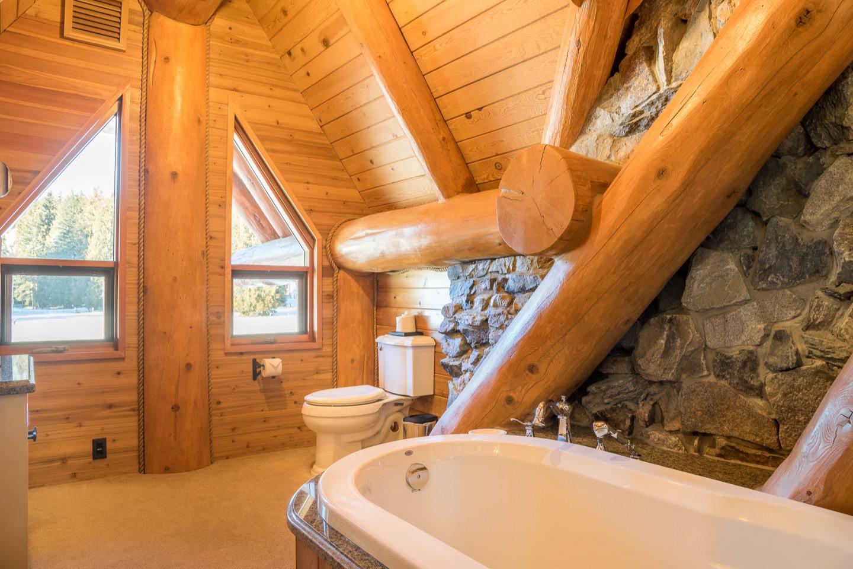 Stay Revy - Revelstoke House; Luxurious Log Home